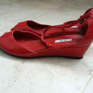 RED fun wedges